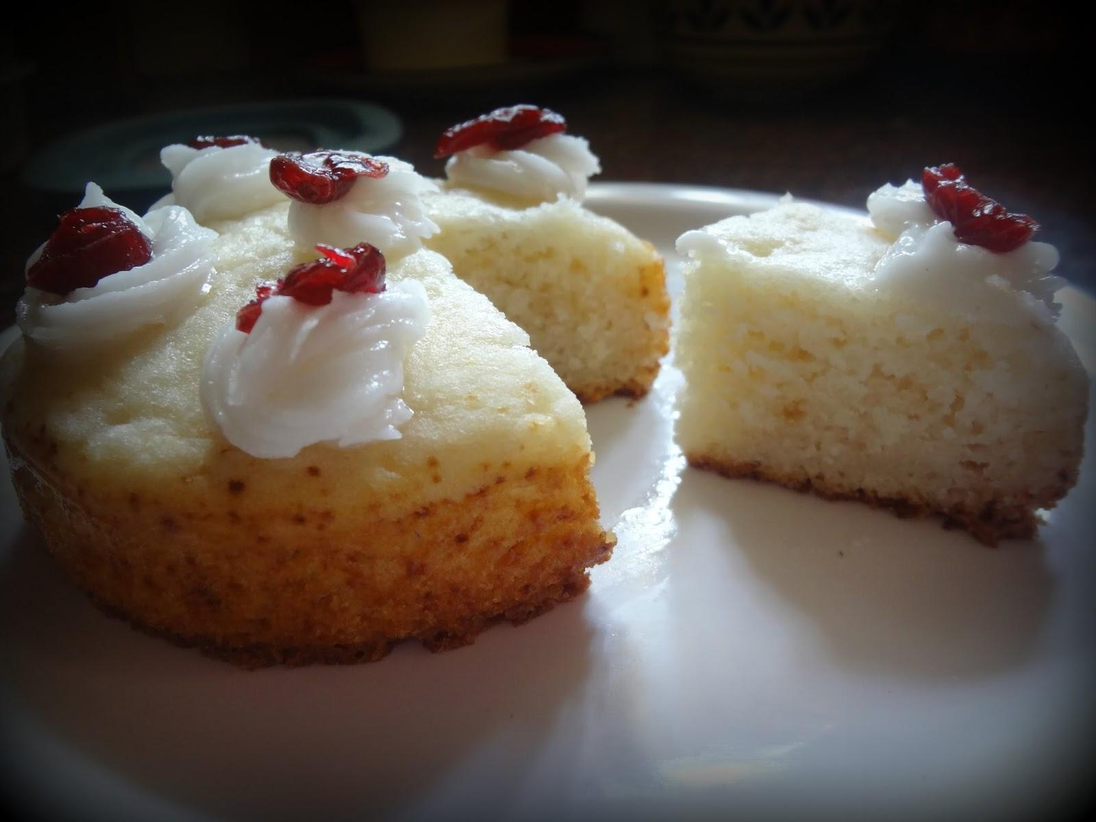 Vanilla sponge cake eggless for Basic vanilla sponge