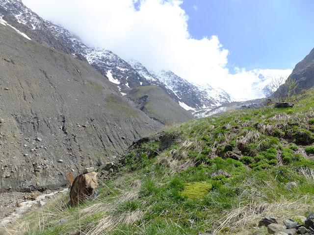 Кармадонское ущелье, недалеко от ледника