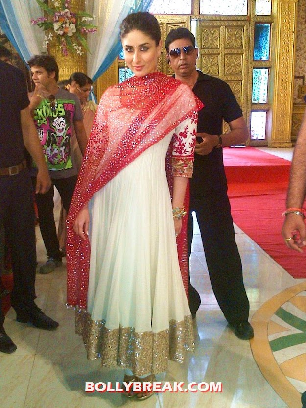 Kareena Kapoor in manish malhotra anarkali suit  on the sets of ZeeTv&#39;s Punar Vivah - Kareena Kapoor on the sets of ZeeTv&#39;s Punar Vivah
