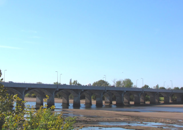 Tulsa gentleman sunday bridges 21st street bridge for 21 river terrace