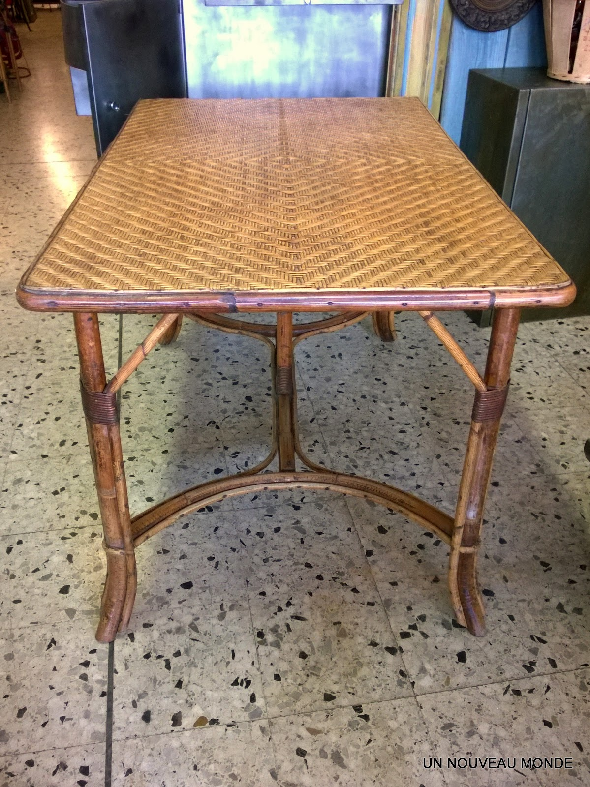 Brocante d coration un nouveau monde table bambou et for Set de table rotin