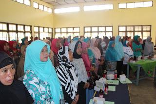 Wali Murid, Menyanyikan Lagu Indonesia Raya