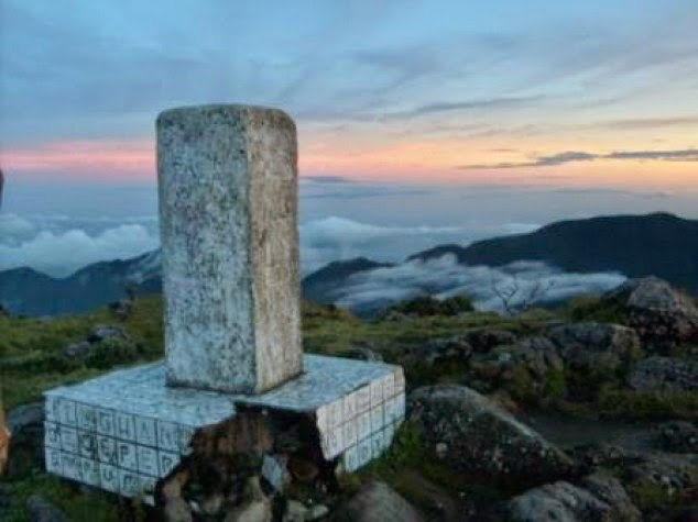 Wisata Gunung Bawakaraeng Gowa | Tugu Tringulasi