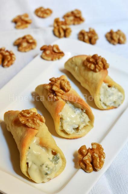 hiperica_lady_boheme_blog_di_cucina_ricette_gustose_facili_veloci_antipasti_cannoli_salati_con_gorgonzola_e_gherigli_di_noce_2