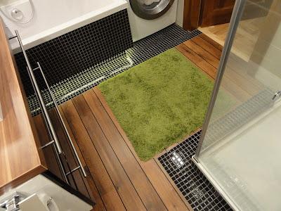 Drewniana podłoga w łazience quick step lagune