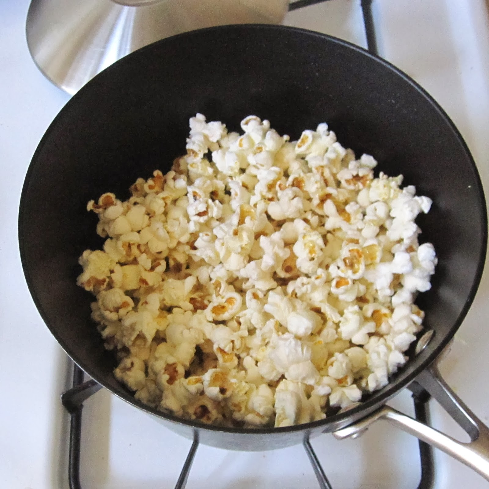 how to make sweet popcorn on the stove