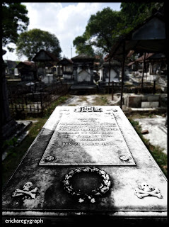 Peneleh Cemetery - The Forgotten Home