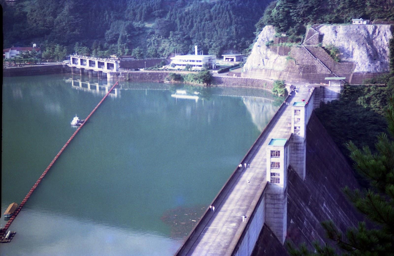 ダム,山,奥多摩湖ダム〈著作権フリー無料画像〉Free Stock Photos
