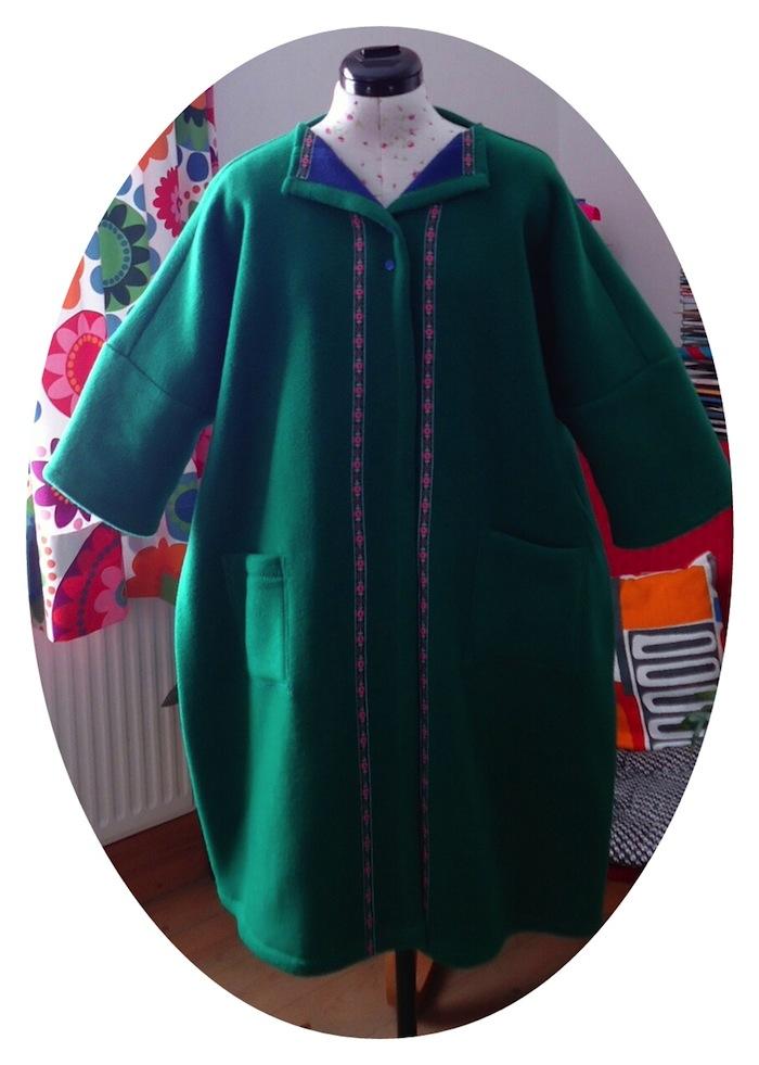 Yoshiko Tsukiori's square coat