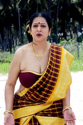 tollywood old item dancer jyothi laxmi hot images