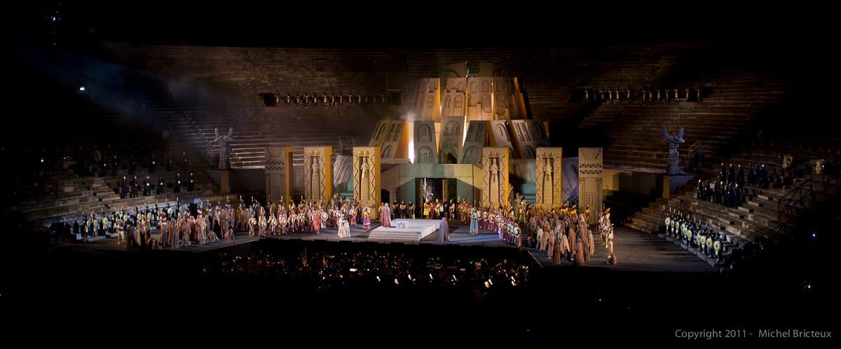 Nabucco de Verdi, Arènes romaines de Vérone