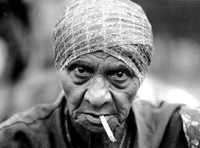 إقلاع المرأة التدخين يزيد عمرها