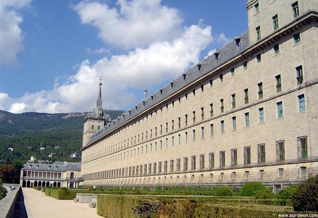 Vista lateral del Monasterio de El Escorial