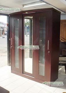 Lemari pakaian minimalis klasik sliding door