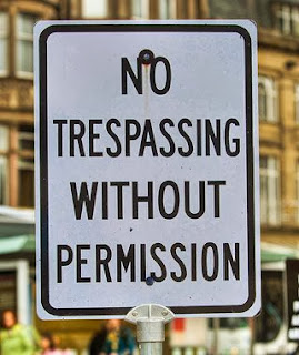 http://www.funnysigns.net/no-trespassing/