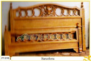 Tempat tidur kayu jati ukir jepara Barcelona murah.Jakarta1
