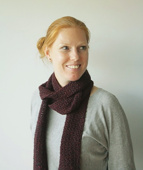 Long skinny scarf, free crochet pattern | Happy in Red