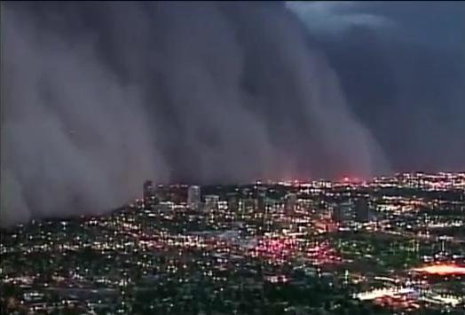 Tempête de sable au-dessus de Phoenix dans l'Arizona
