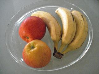 manzana y bananas