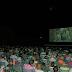 """Στο θερινό κινηματογράφο Cine Φλοίσβος του Παλαιού Φαλήρου, όπου κατοικούν πολυάριθμοι Ρωμιοί συμπολίτες μας, προβλήθηκε με ελεύθερη είσοδο η ταινία """"Οι άνθρωποι του παππού μου"""", η οποία είχε ως θέμα τις επιπτώσεις της Ανταλλαγής των Πληθυσμών και τις Ελληνοτουρκικές σχέσεις"""