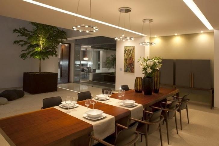 Dining room in Casa del Agua by Almazán Arquitectos Asociados