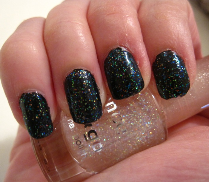Essence Gel Nail Polish Space Queen: Rouge Deluxe: Essence Color & Go #4 Space Queen And Nail