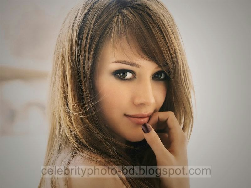 Hilary+Duff+HQ+Latest+Hot+Photos+With+Short+Biography004