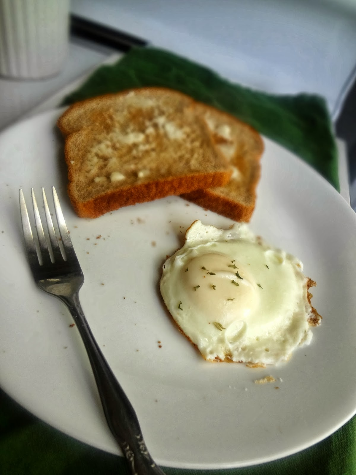 how to cook a egg over easy