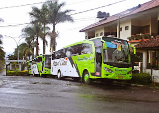 bus gapuraning rahayu jakarta-pangandaran