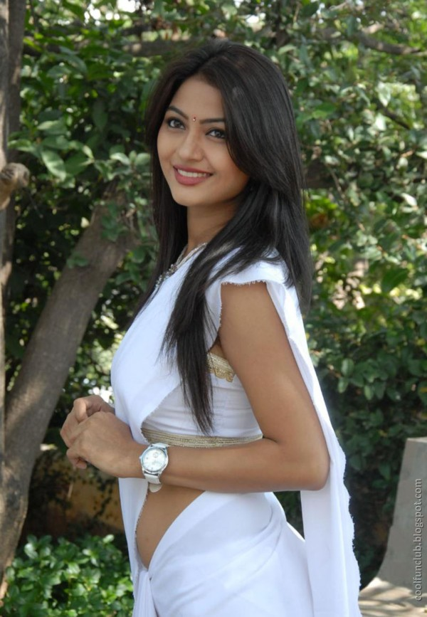 actress kumkum 03 Telugu cinema Actress Kumkum in White Saree