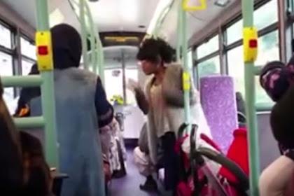 Wanita Rasis Ini Kutuk Orang Islam Dalam Bus di London