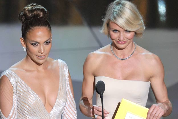 """... Lopez the heads-up, writing, """"Dear JLo, your left nipple is out. K"""