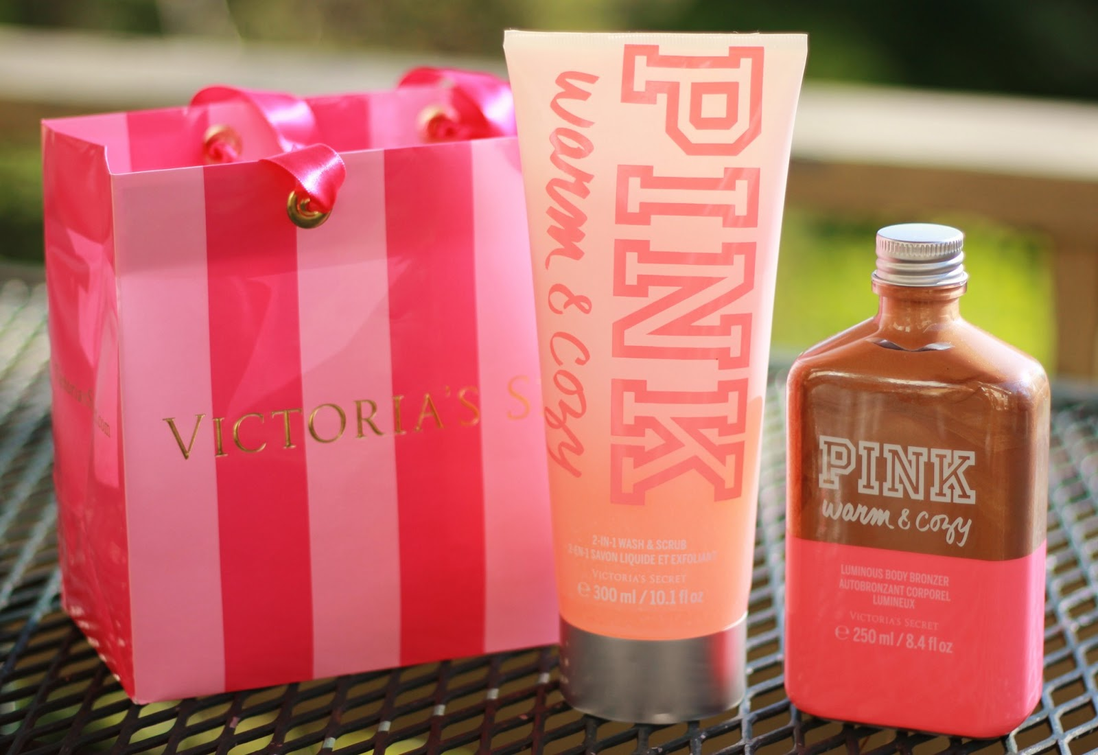 1d4f716069 She told me she had bought the Victoria s Secret PINK Luminous Body Bronzer.