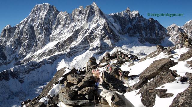 Peak in Gokyo Trekking