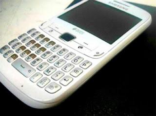 Samsung S3752 Duos, Qwerty Dual-SIM dengan WiFi
