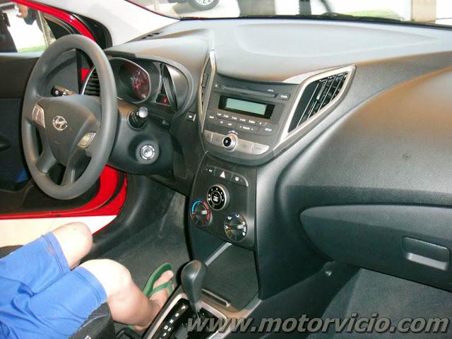 Interior do Hyundai HB 20 comFort Style vermelho