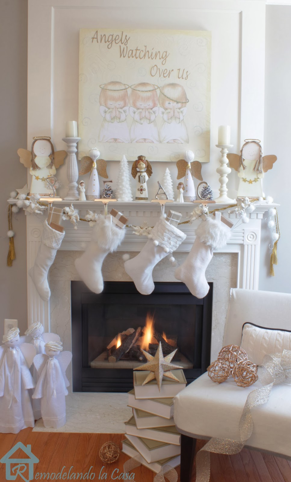 Angels watching over us christmas mantel remodelando for Casa mantel