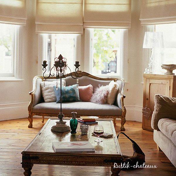 salon actual con pequeño sofa luis XV