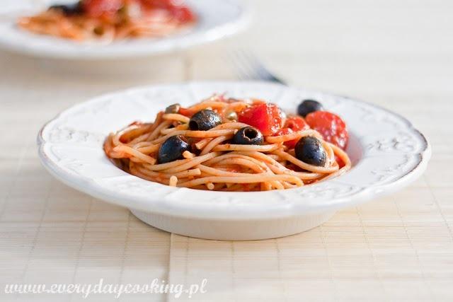 Spaghetti z pikantnym sosem
