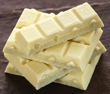 foto de chocolate branco empilhado