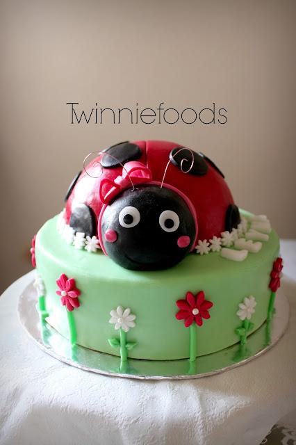 how to make ladybug cake topper