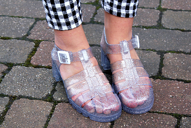 Fashion Attacks inspiration jelly sandals