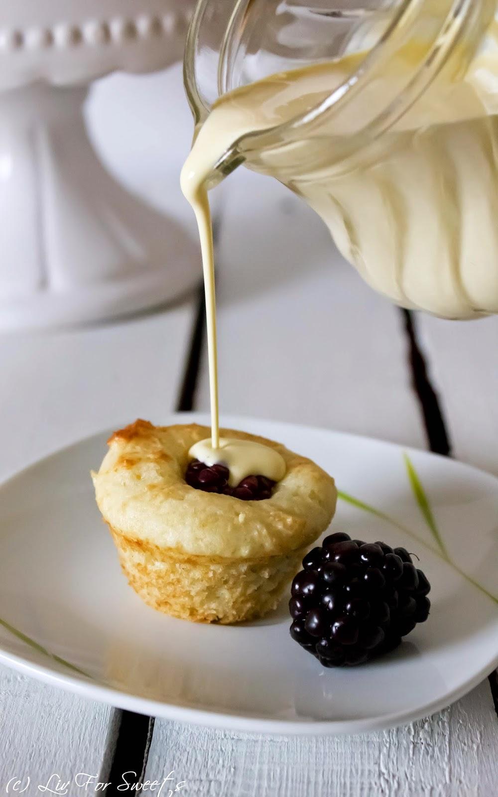 Rezept für Mini Brombeer Quark Muffins mit Buttermilch, Minimuffinform, Vanillesoße, Thermomix