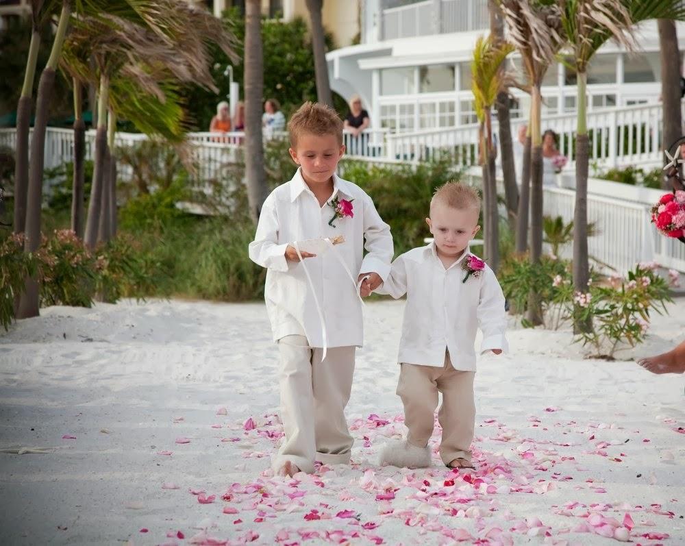 Matrimonio In Spiaggia Outfit : Baby decor ring bearer o paggetto porta fedi come