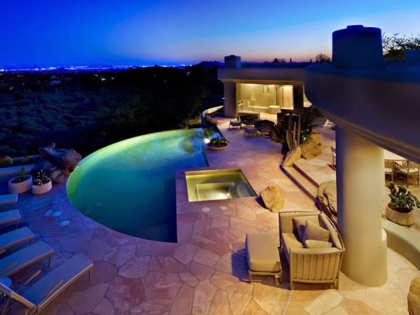 Gorgeous Desert Mountain Retreat