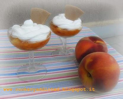 frutta o dessert - pesche gelate