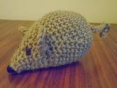 http://translate.googleusercontent.com/translate_c?depth=1&hl=es&rurl=translate.google.es&sl=en&tl=es&u=http://www.crochetaddictuk.com/2013/11/free-pattern-battersea-crochet-mouse_1.html&usg=ALkJrhiZUa_QuzXN9YyMbrfJmgGyeQ3vmg