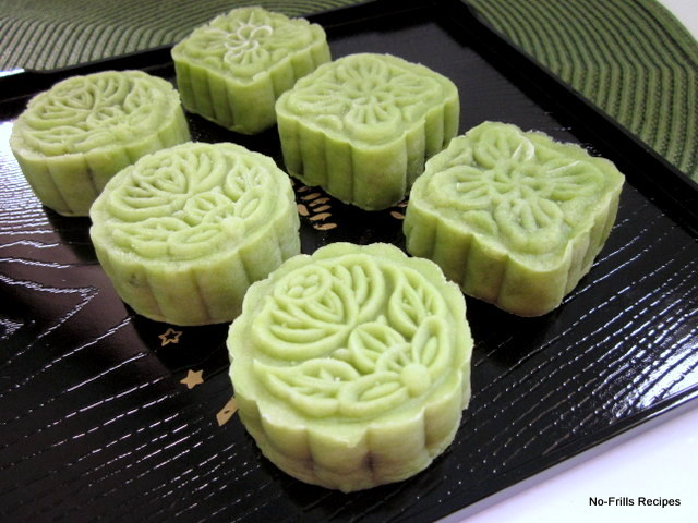 ... & excerpts on travel: Green tea ping pei (snow skin) mooncake ~ 2012