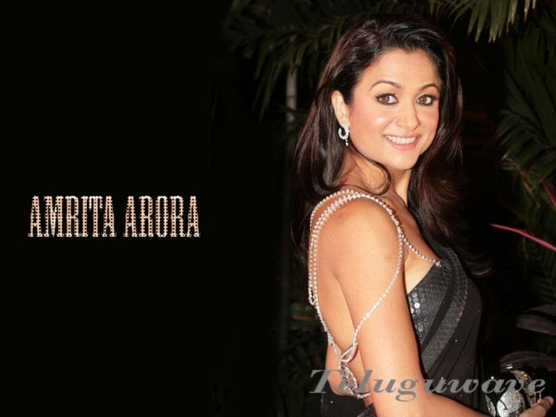 Amrita arora hot bollywood actress apologise