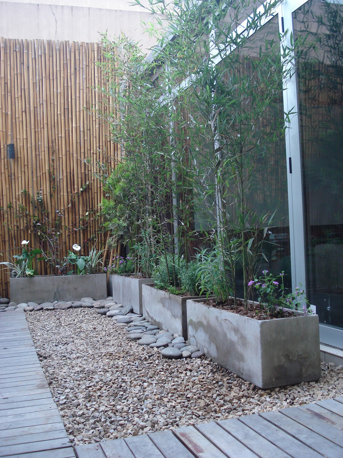 Reverdir jardineria y paisajismo patio verde y algo mas for Jardineria y paisajismo